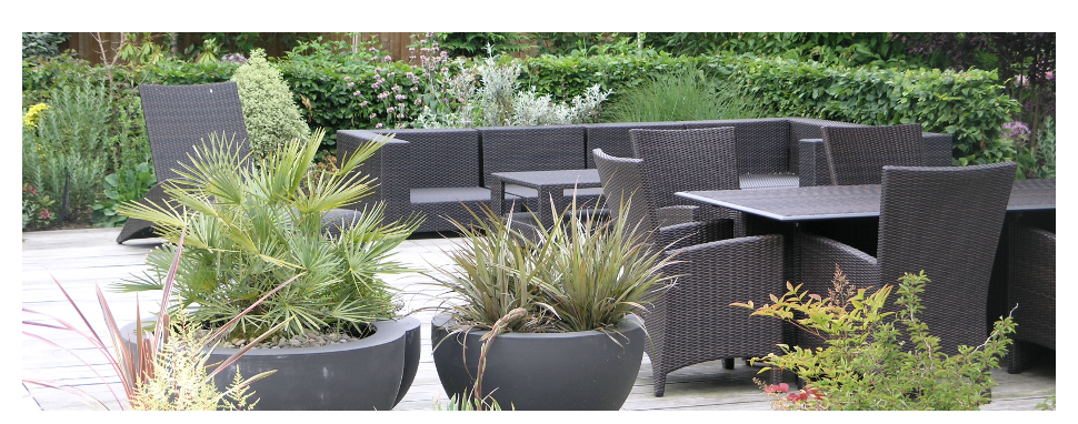 Contemporary garden and furniture by Goscote Design Practice
